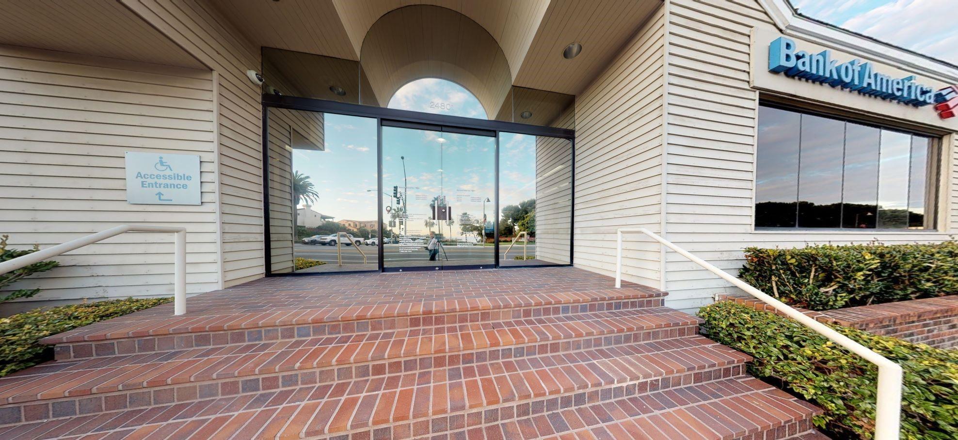 Bank of America financial center with walk-up ATM | 24801 Del Prado Ave, Dana Point, CA 92629