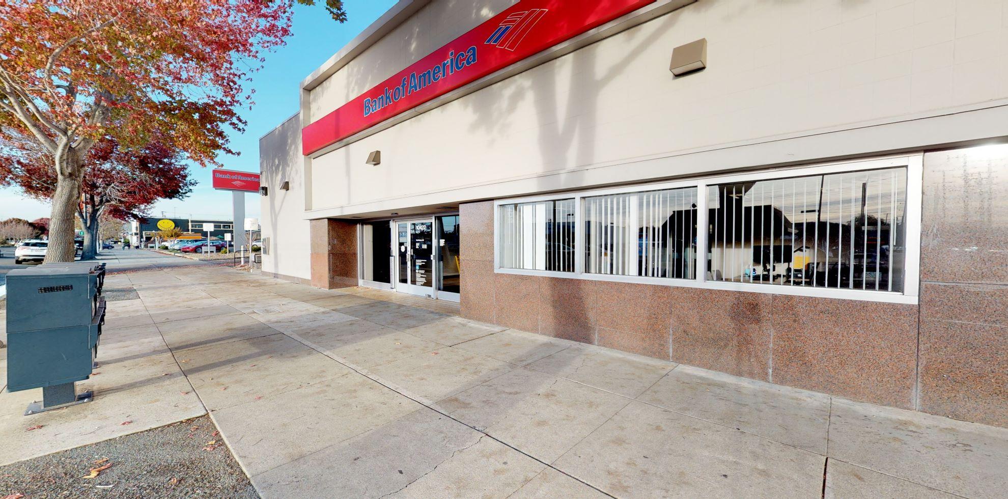 Bank of America financial center with walk-up ATM   10422 San Pablo Ave, El Cerrito, CA 94530