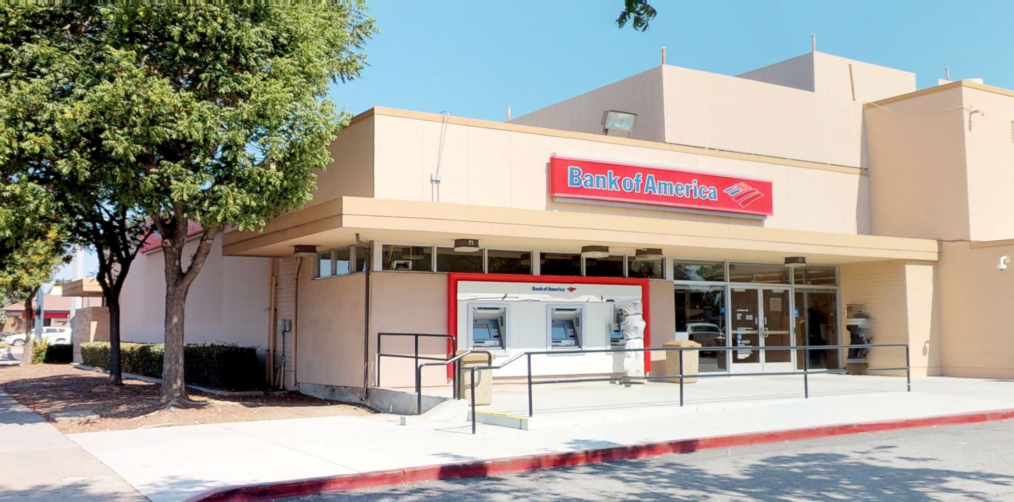 Bank of America financial center with walk-up ATM | 2300 Alum Rock Ave, San Jose, CA 95116
