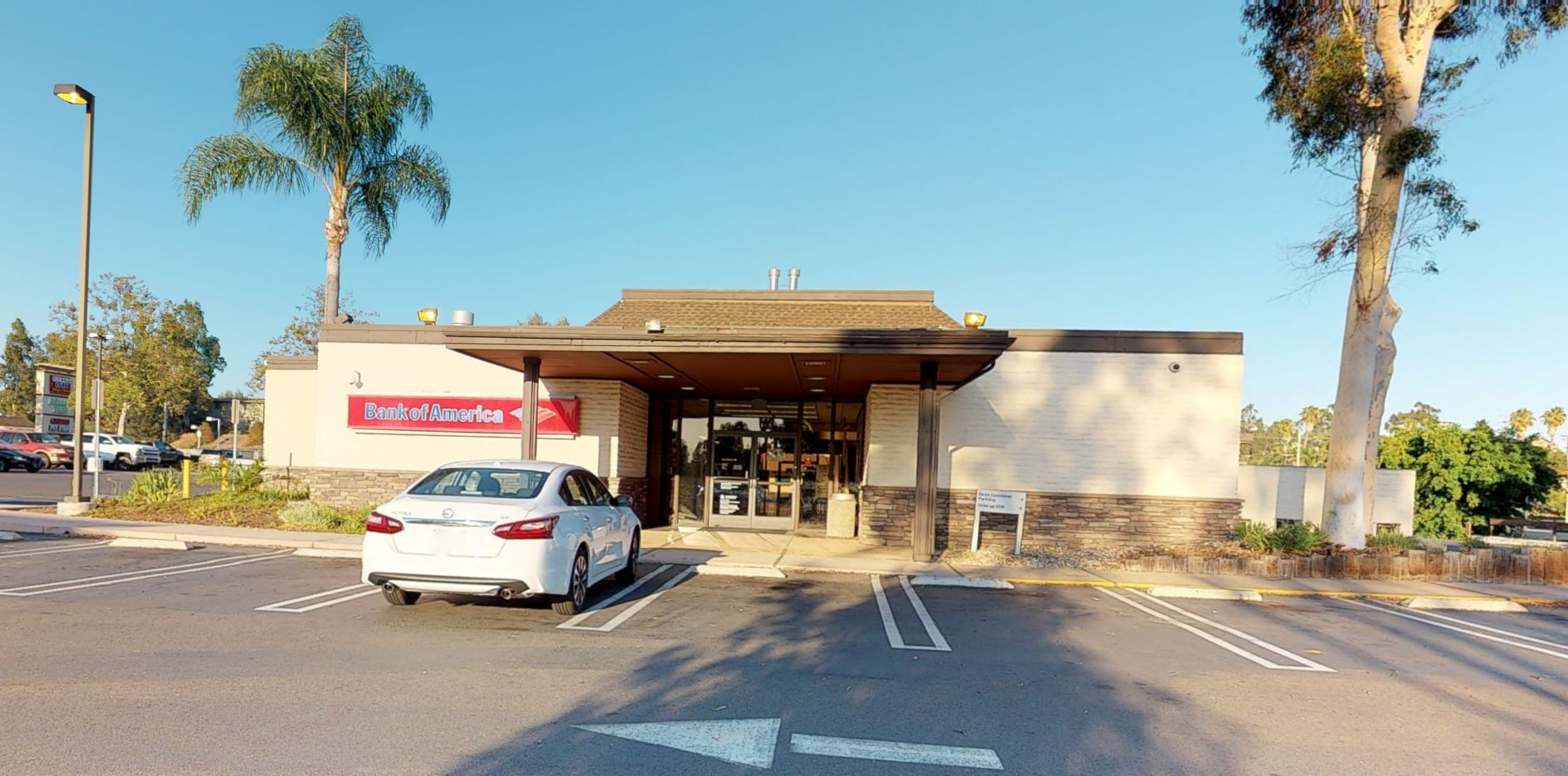 Bank of America financial center with drive-thru ATM   1125 S Main Ave, Fallbrook, CA 92028