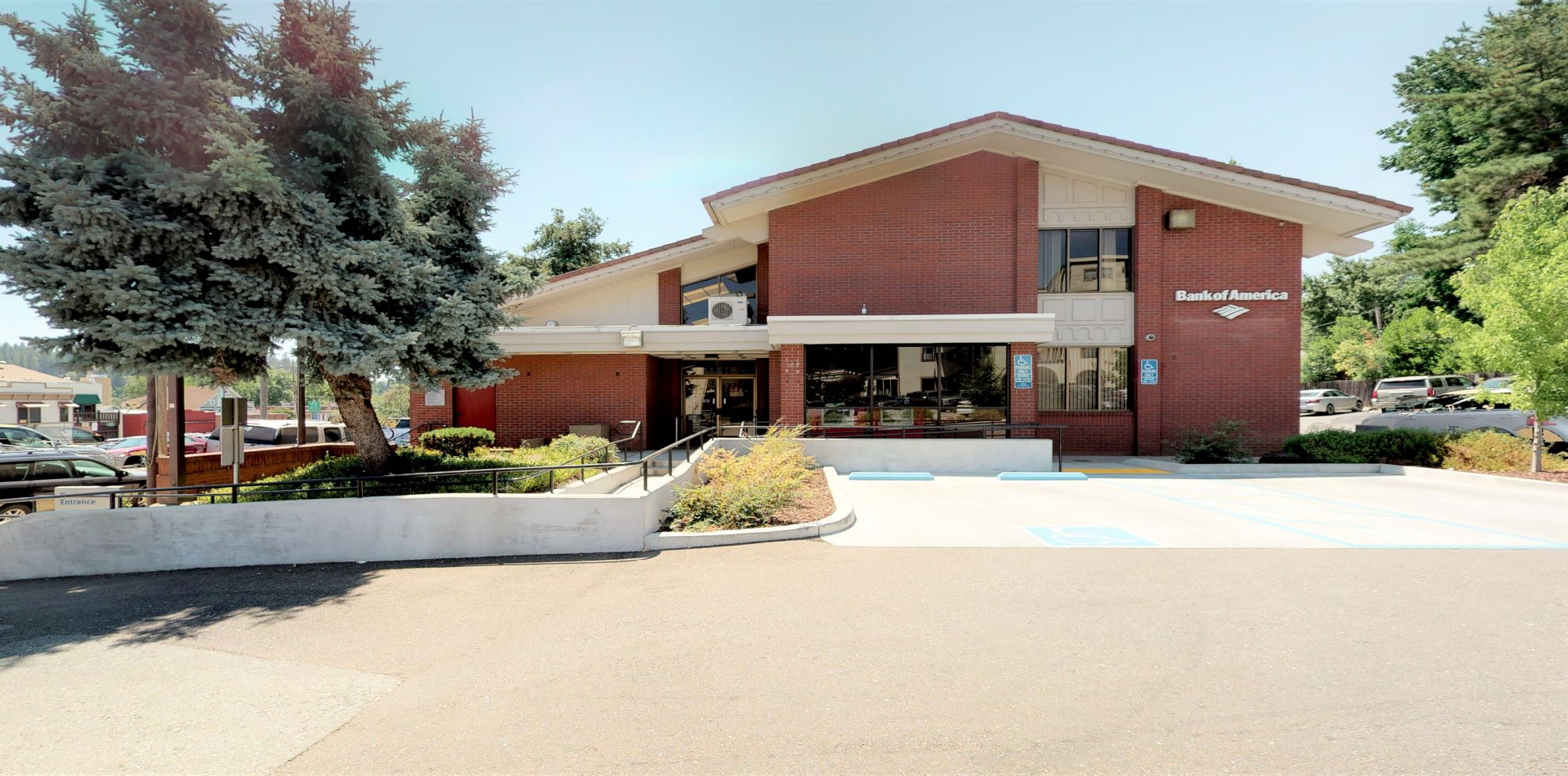 Bank of America financial center with drive-thru ATM   134 S Church St, Grass Valley, CA 95945