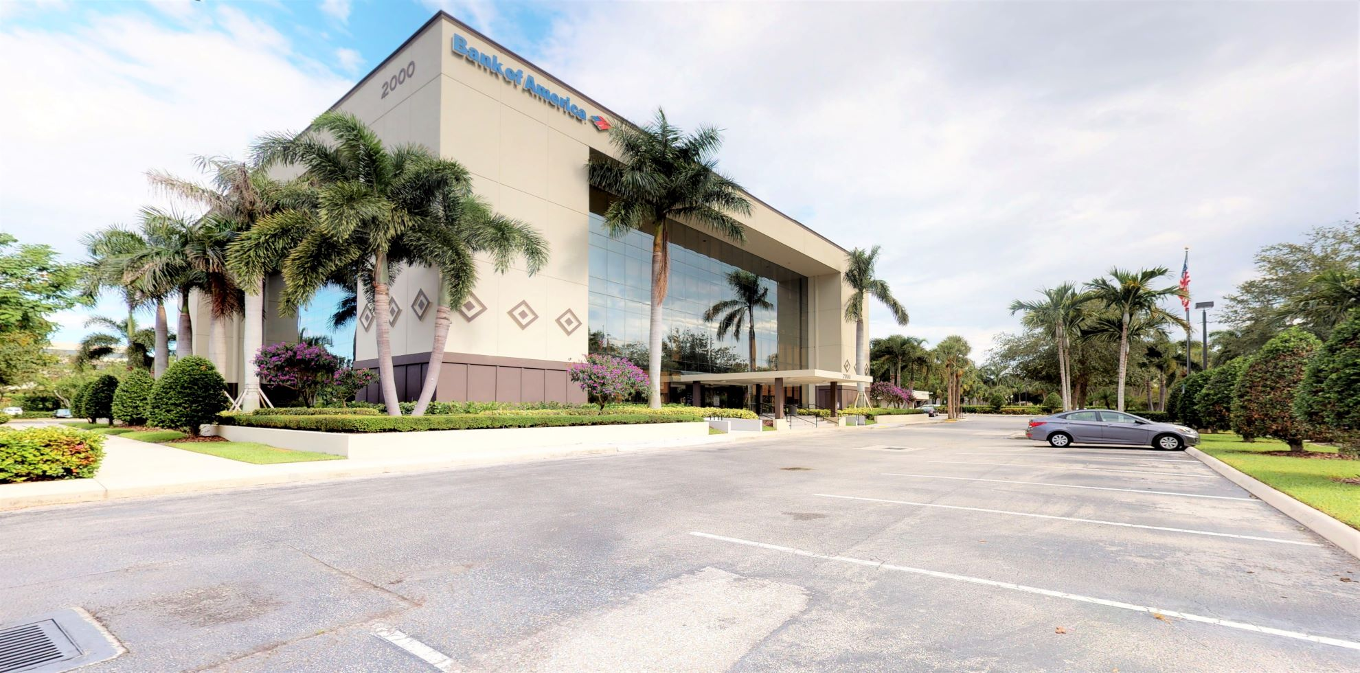 Bank of America financial center with drive-thru ATM   2000 Glades Rd STE 100, Boca Raton, FL 33431