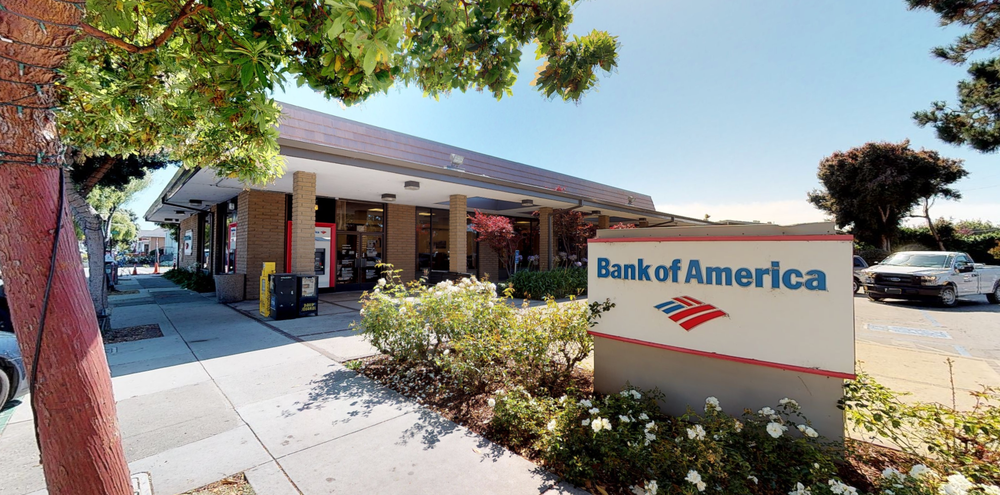 Bank of America financial center with walk-up ATM | 620 Main St, Half Moon Bay, CA 94019