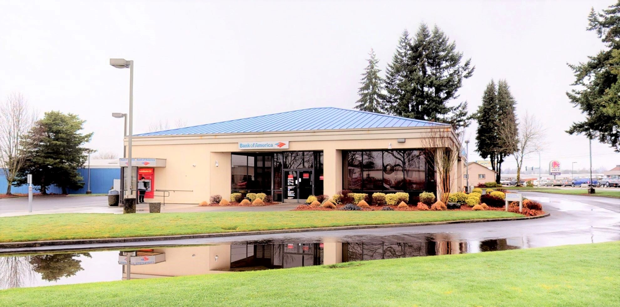 Bank of America financial center with drive-thru ATM   6404 NE 117th Ave, Vancouver, WA 98662