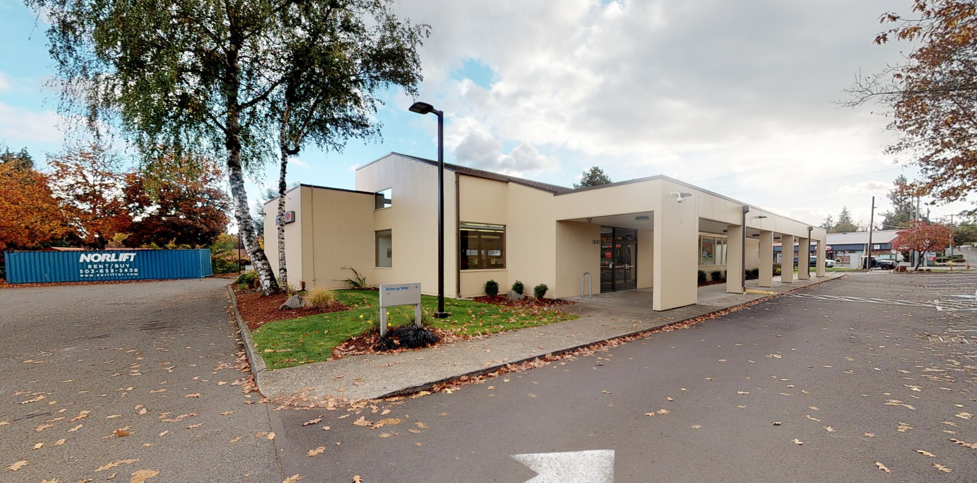 Bank of America financial center with drive-thru ATM and teller | 1841 S Molalla Ave, Oregon City, OR 97045