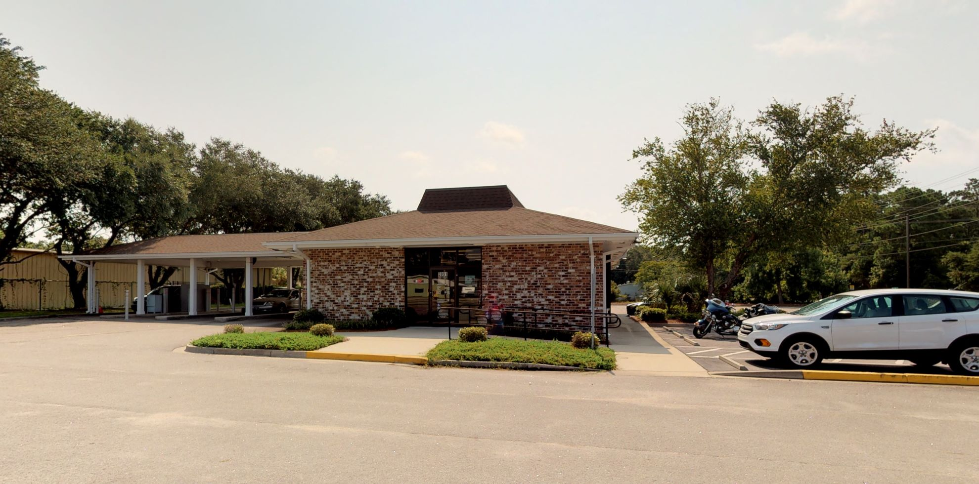 Bank of America financial center with drive-thru ATM and teller | 3991 Highway 17, Murrells Inlet, SC 29576