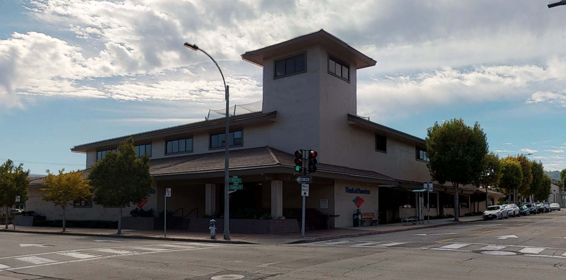 Bank of America financial center with walk-up ATM | 200 E Franklin St, Monterey, CA 93940