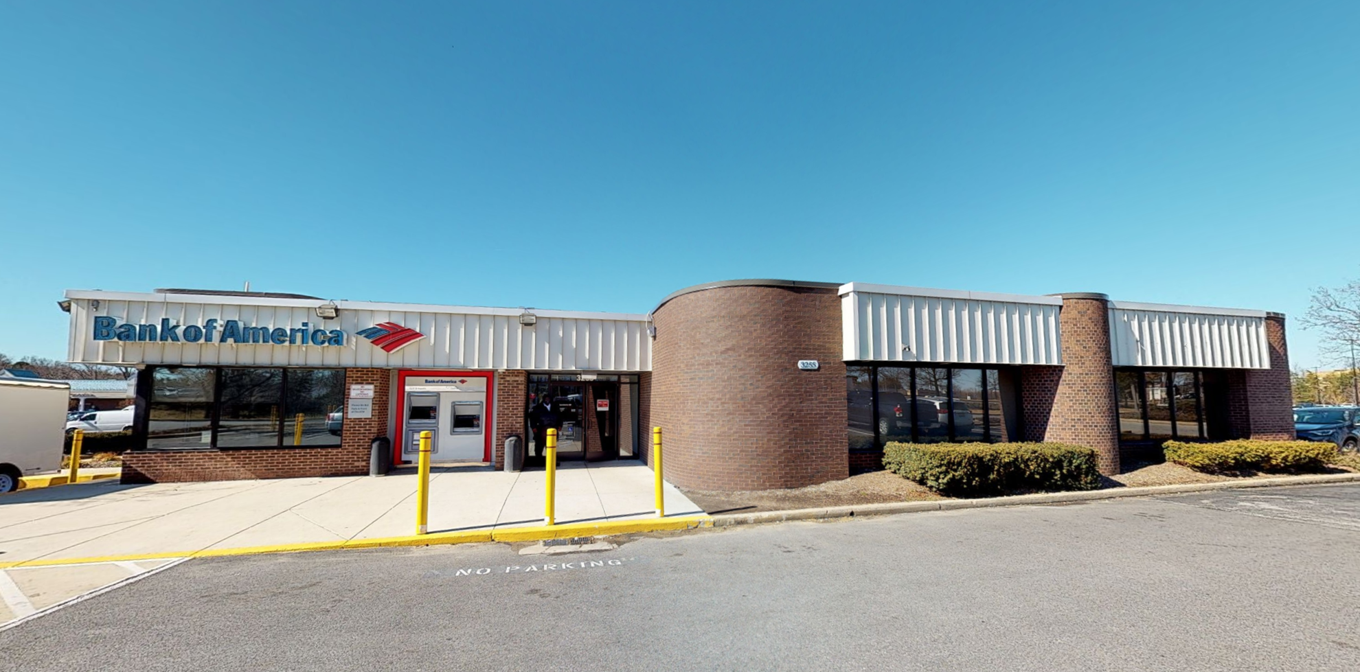 Bank of America financial center with drive-thru ATM | 3255 Crain Hwy, Waldorf, MD 20603
