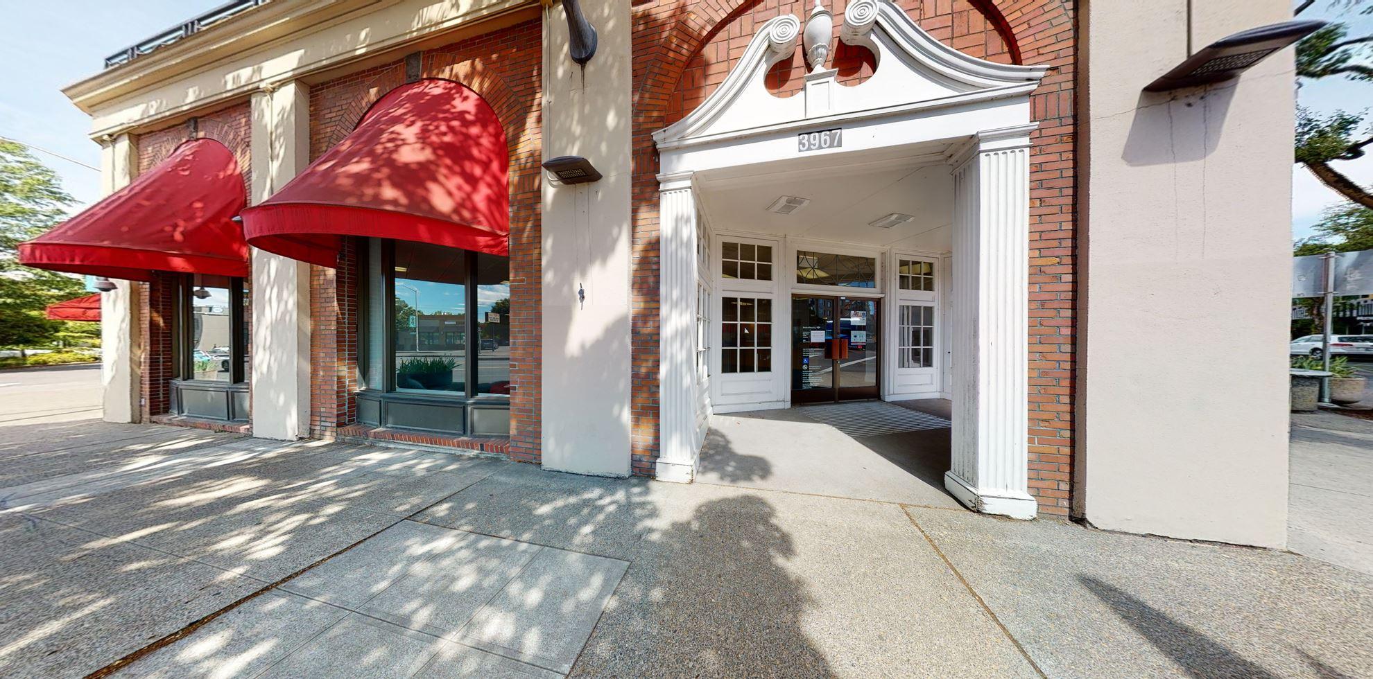 Bank of America financial center with drive-thru ATM | 3967 NE Sandy Blvd, Portland, OR 97232