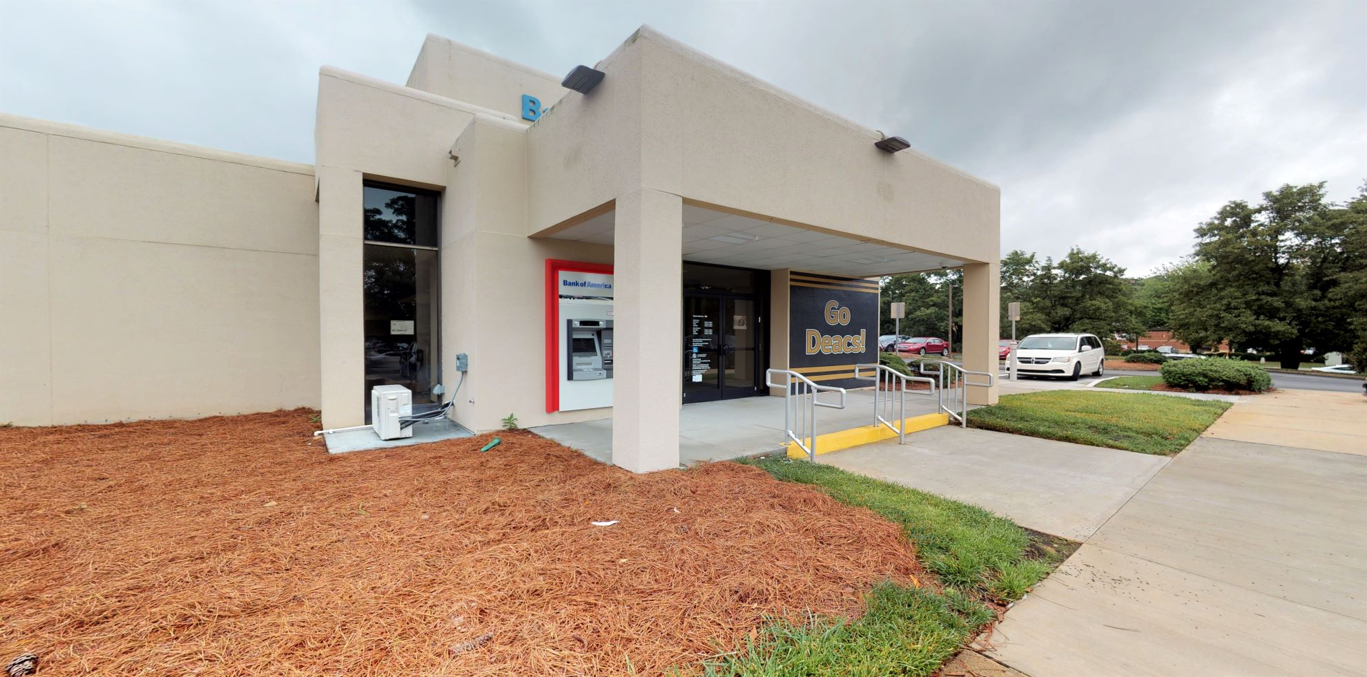 Bank of America financial center with drive-thru ATM and teller | 4001 University Pkwy, Winston Salem, NC 27106