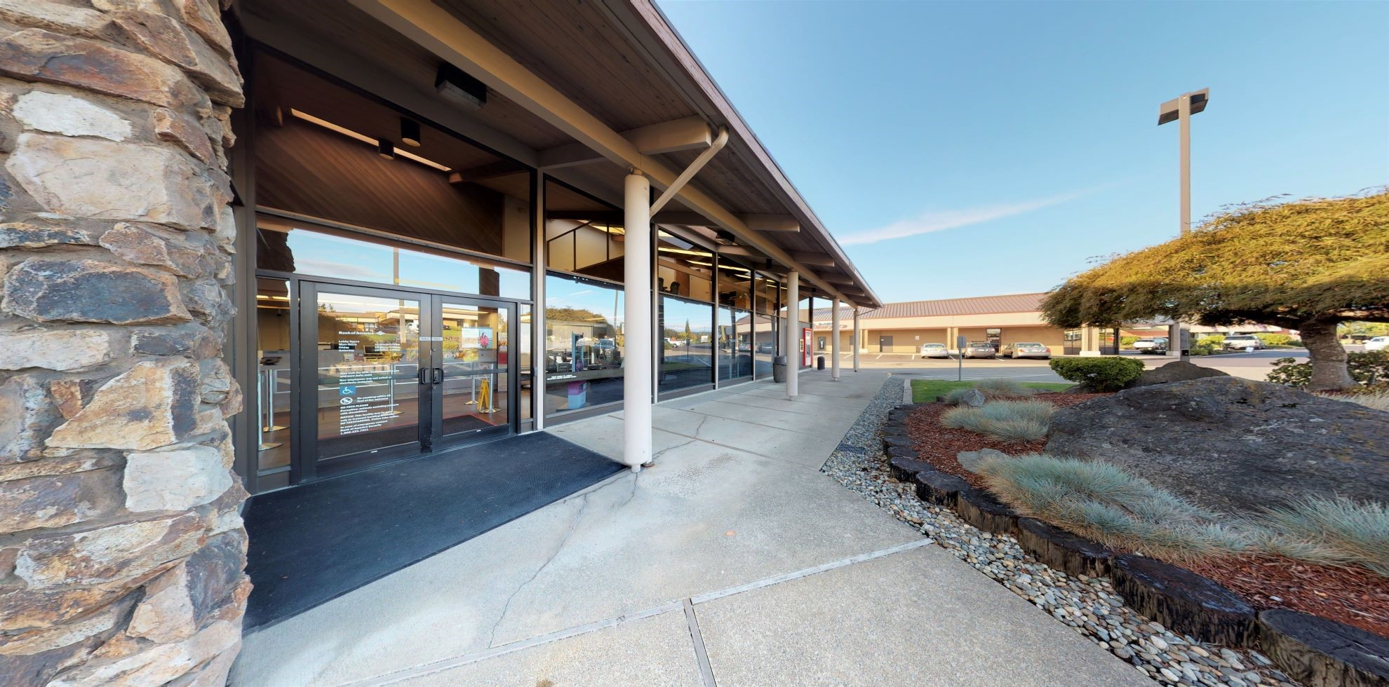 Bank of America financial center with drive-thru ATM | 9981 Silverdale Way NW, Silverdale, WA 98383