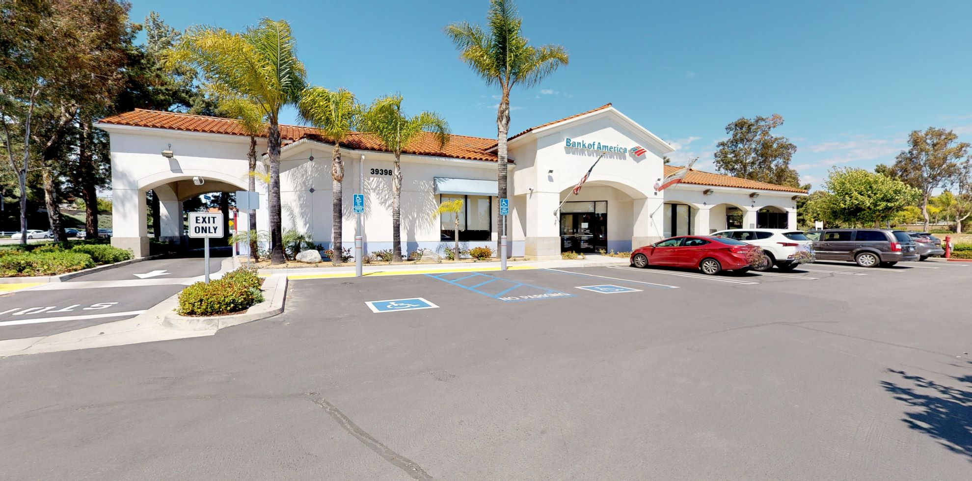 Bank of America financial center with drive-thru ATM   39398 Los Alamos Rd, Murrieta, CA 92563