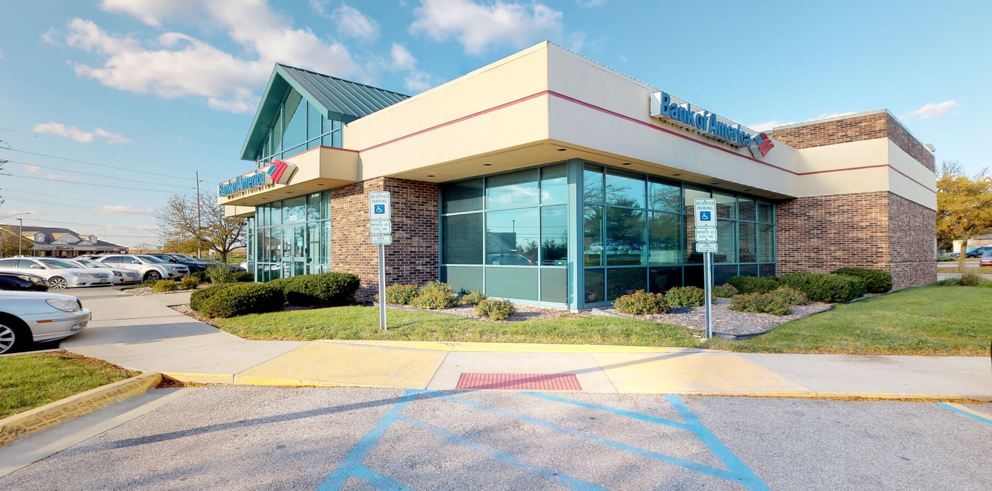 Bank of America financial center with drive-thru ATM | 8525 Meredith Dr, Urbandale, IA 50322