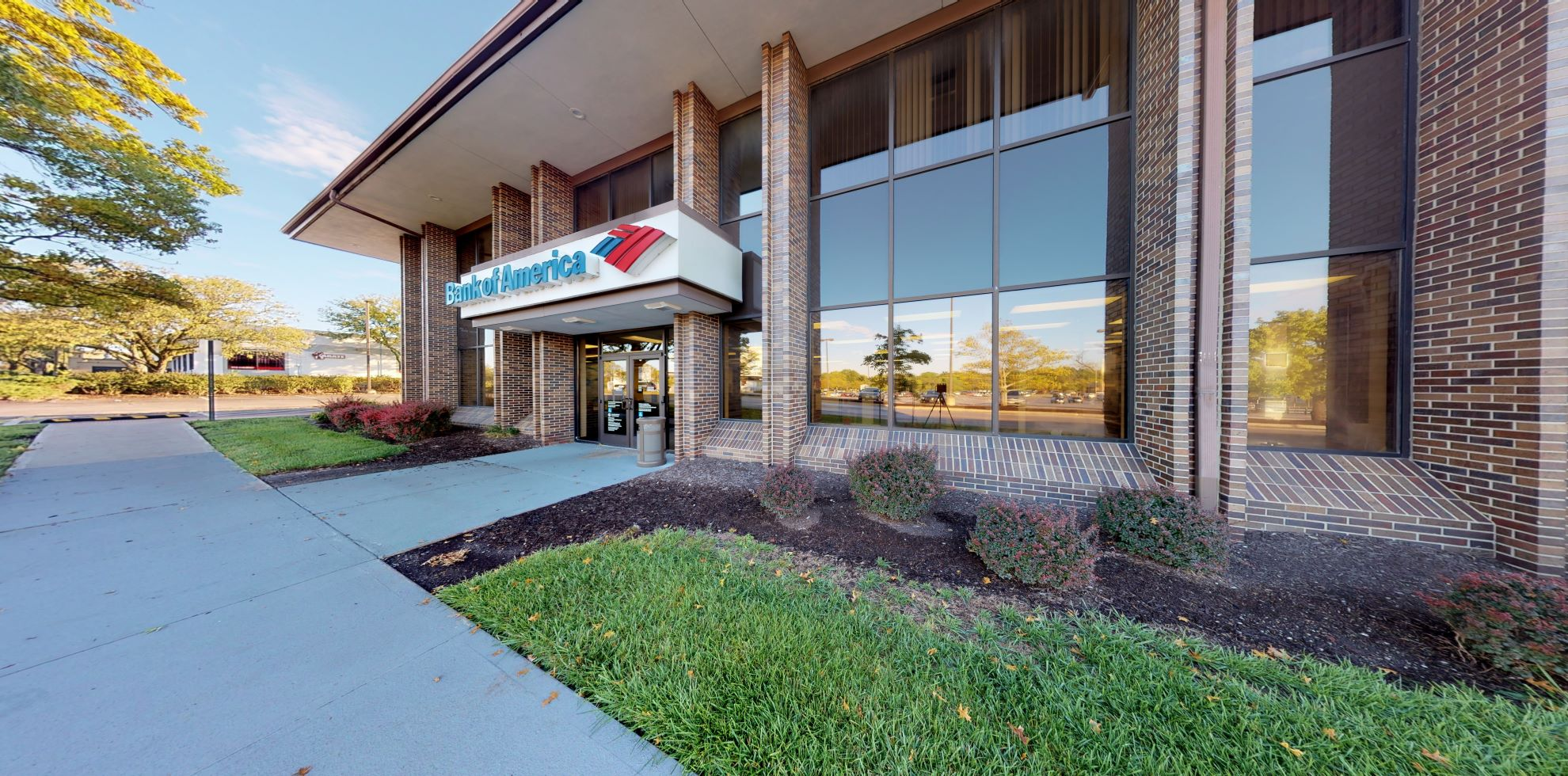 Bank of America financial center with drive-thru ATM | 9550 Metcalf Ave, Overland Park, KS 66212