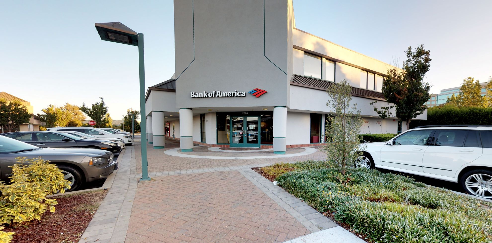 Bank of America financial center with walk-up ATM | 250 Redwood Shores Pkwy STE A, Redwood City, CA 94065