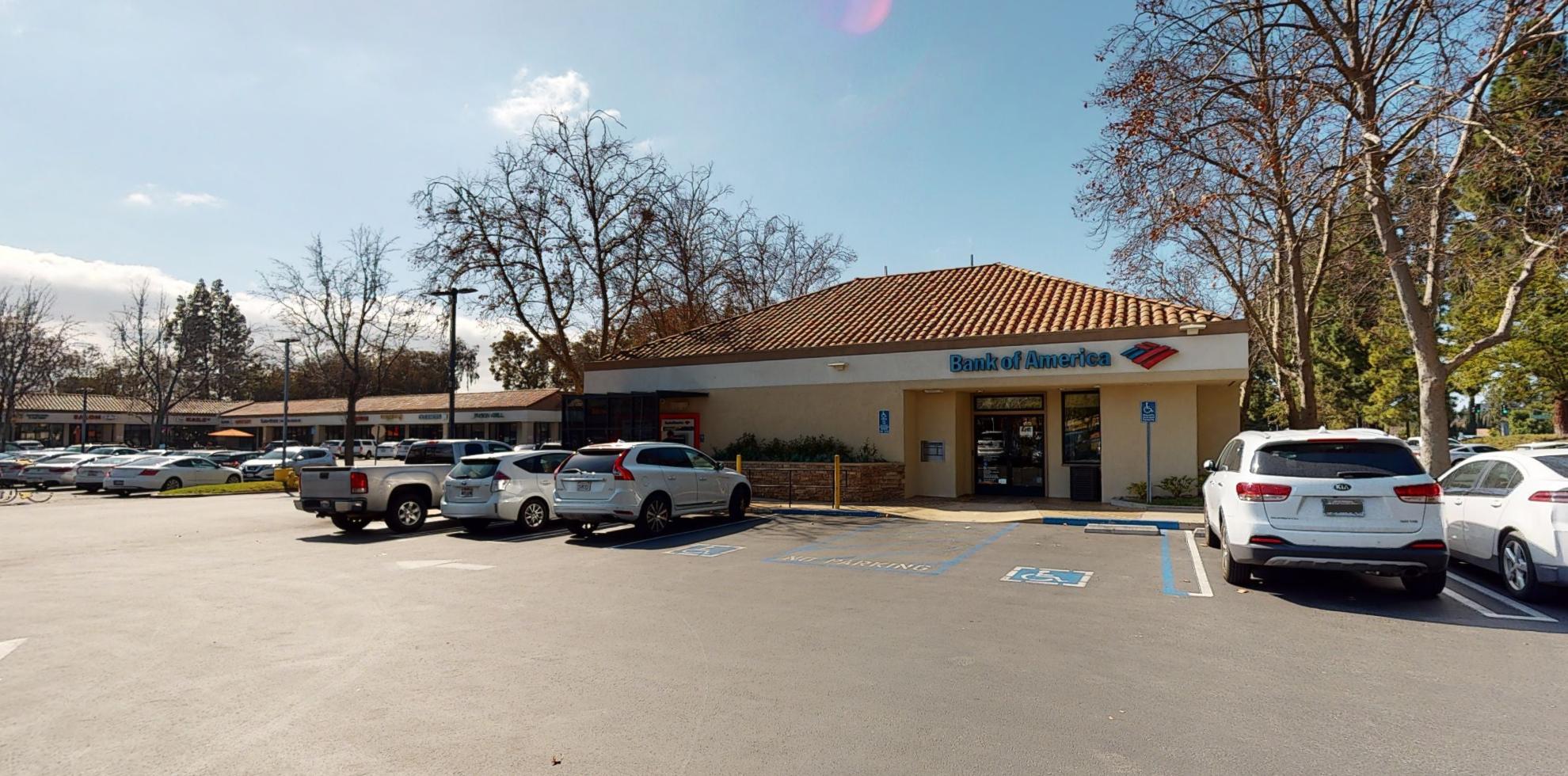 Bank of America financial center with walk-up ATM | 2012 E Avenida De Los Arboles, Thousand Oaks, CA 91362