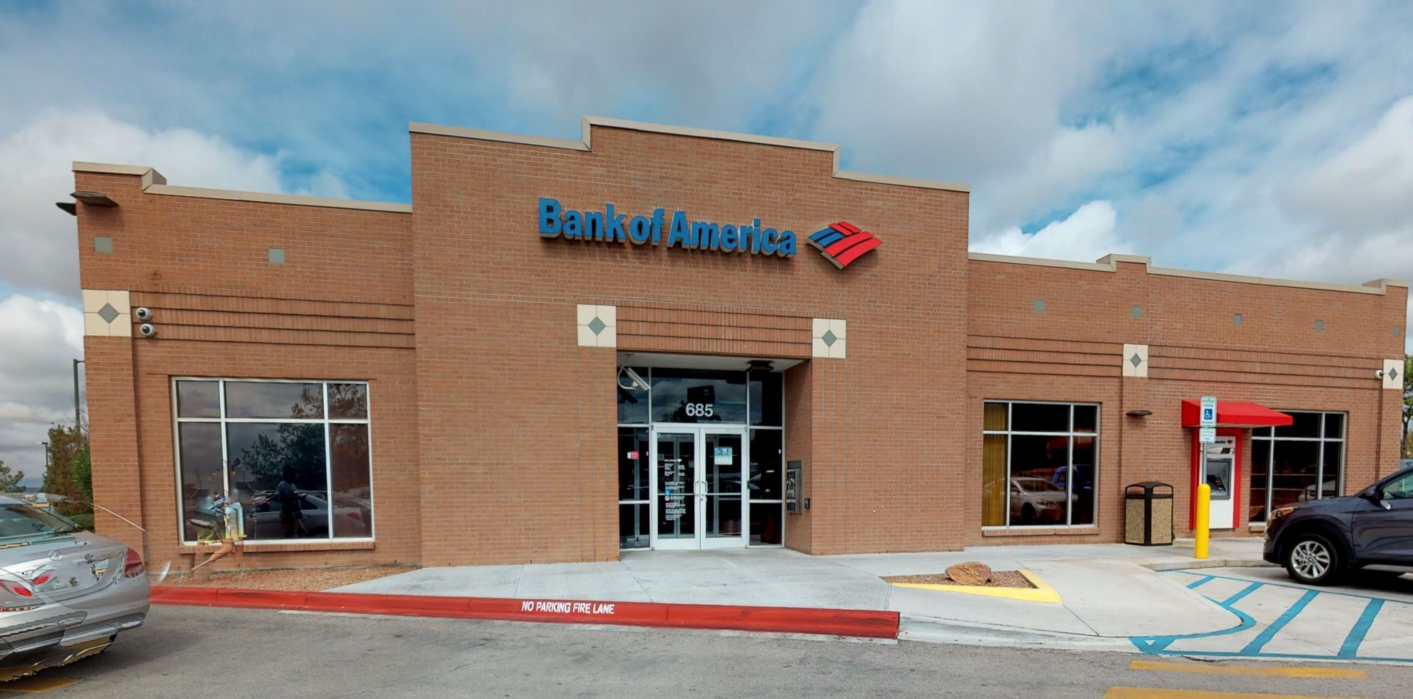 Bank of America financial center with drive-thru ATM and teller | 685 Sunland Park Dr, El Paso, TX 79912