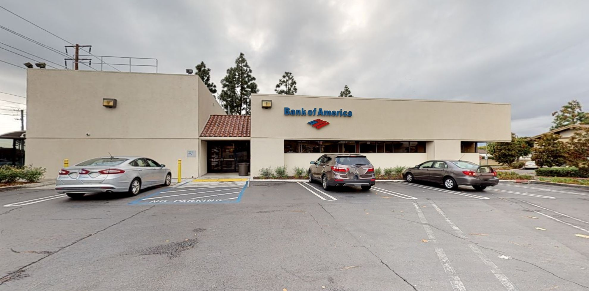 Bank of America financial center with walk-up ATM   22491 El Toro Rd, Lake Forest, CA 92630