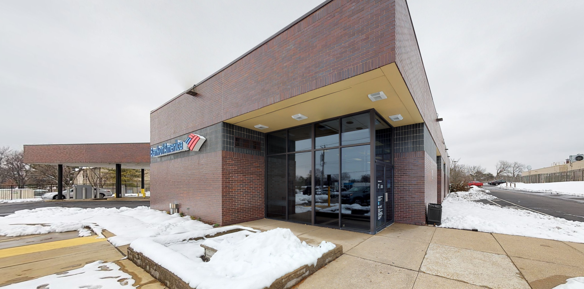 Bank of America financial center with drive-thru ATM and teller   14300 New Halls Ferry Rd, Florissant, MO 63033