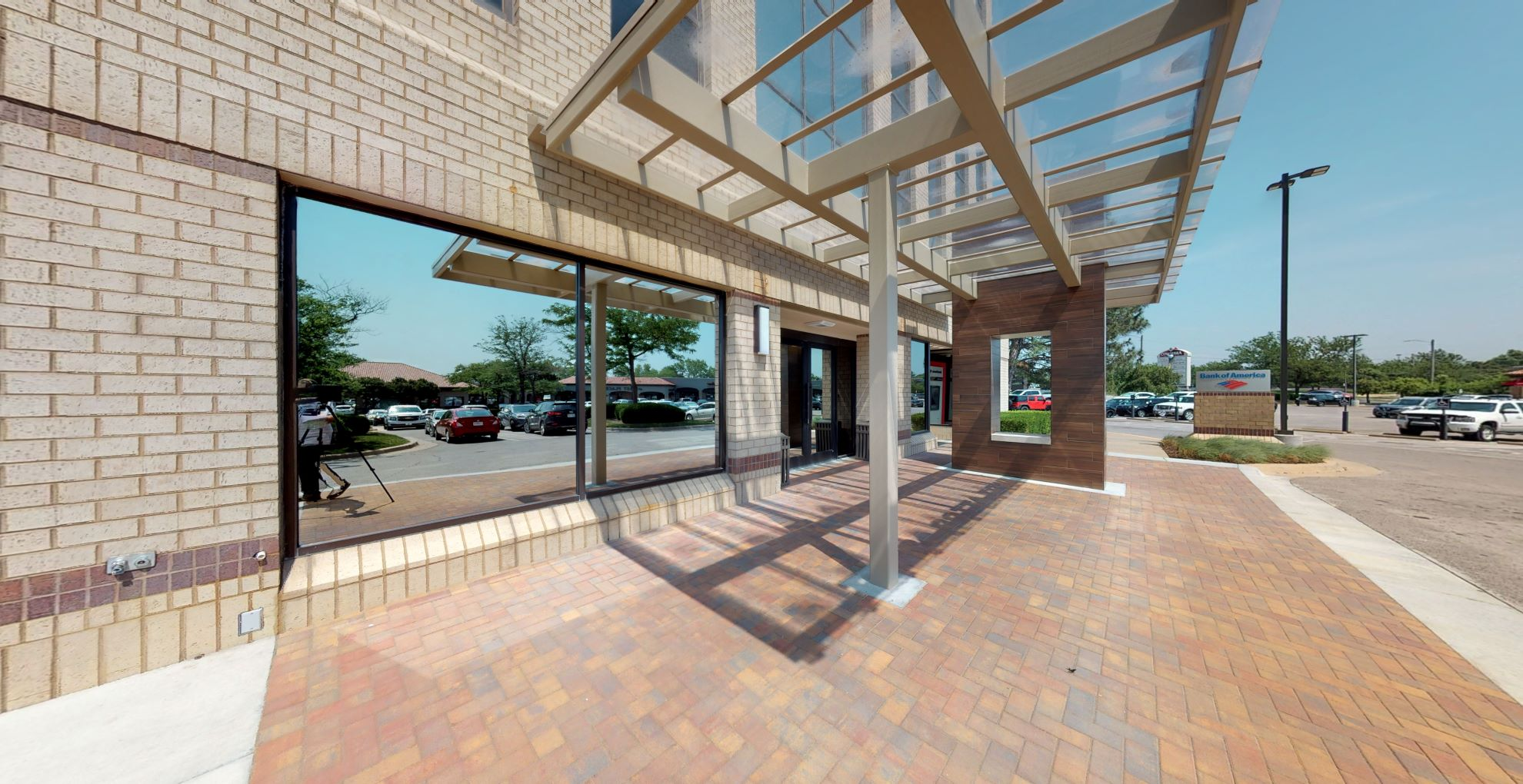 Bank of America financial center with walk-up ATM | 2959 N Rock Rd, Wichita, KS 67226