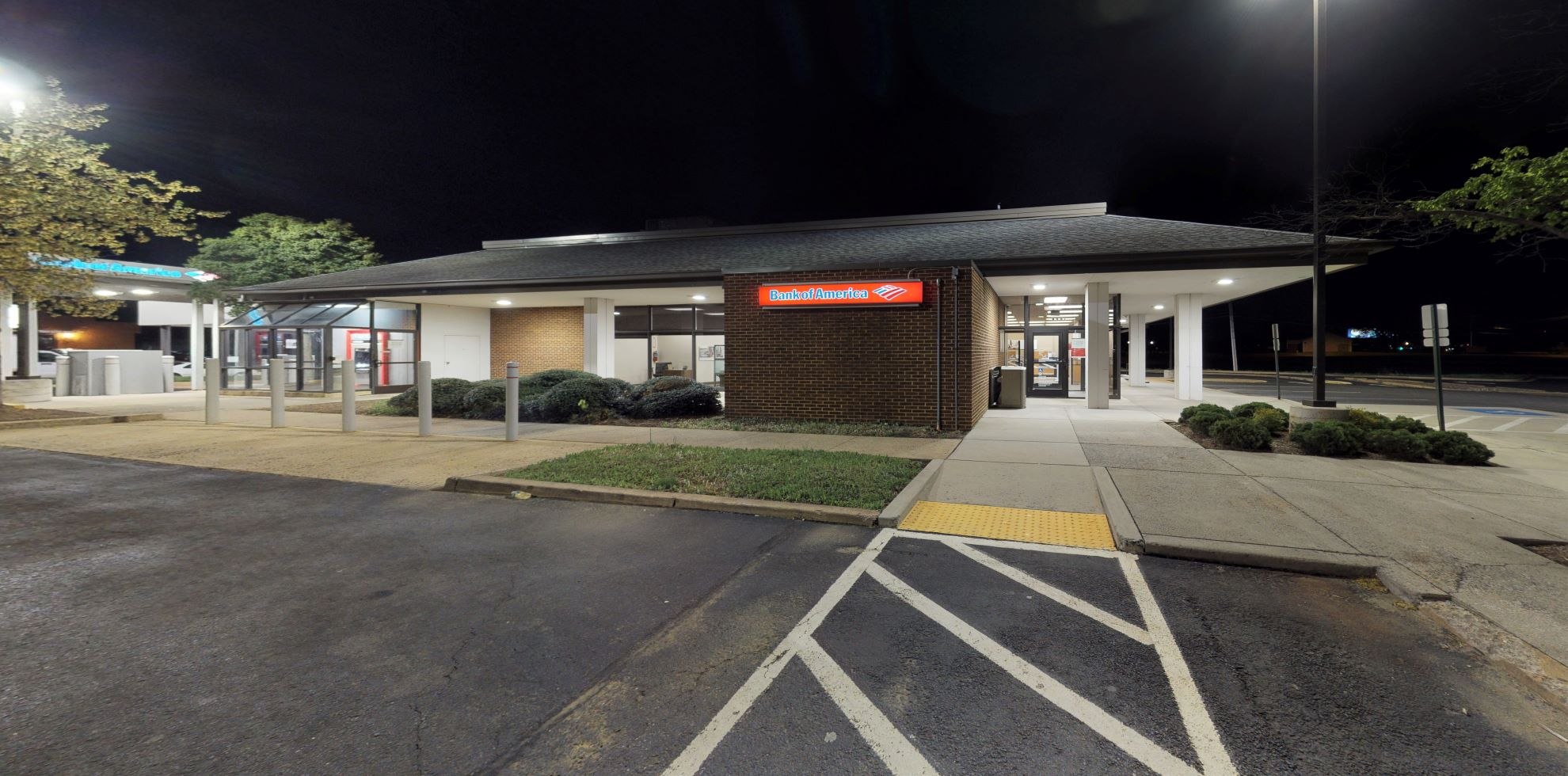 Bank of America financial center with drive-thru ATM | 8501 Sudley Rd, Manassas, VA 20109
