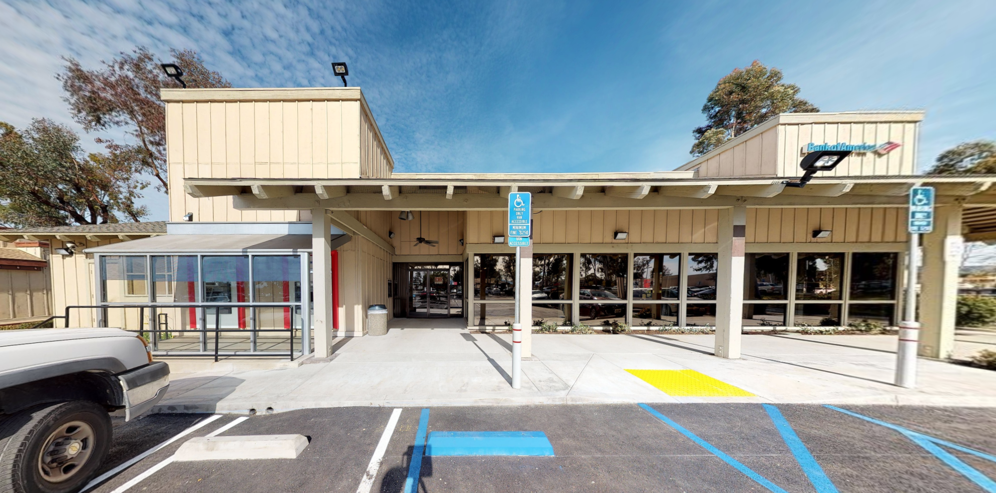 Bank of America financial center with drive-thru ATM | 1407 Main St, Ramona, CA 92065