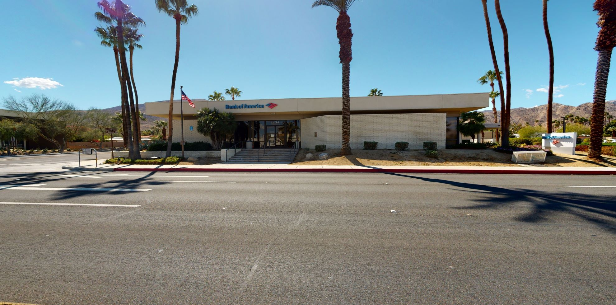 Bank of America financial center with drive-thru ATM   71799 US Highway 111, Rancho Mirage, CA 92270
