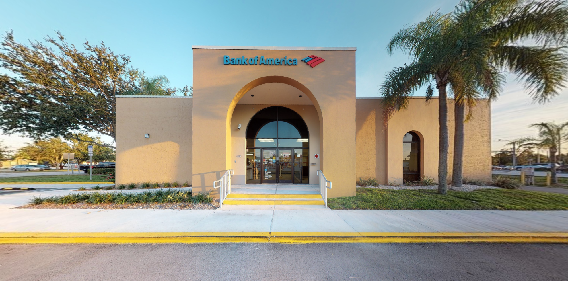 Bank of America financial center with drive-thru ATM | 19017 S Tamiami Trl, Fort Myers, FL 33908