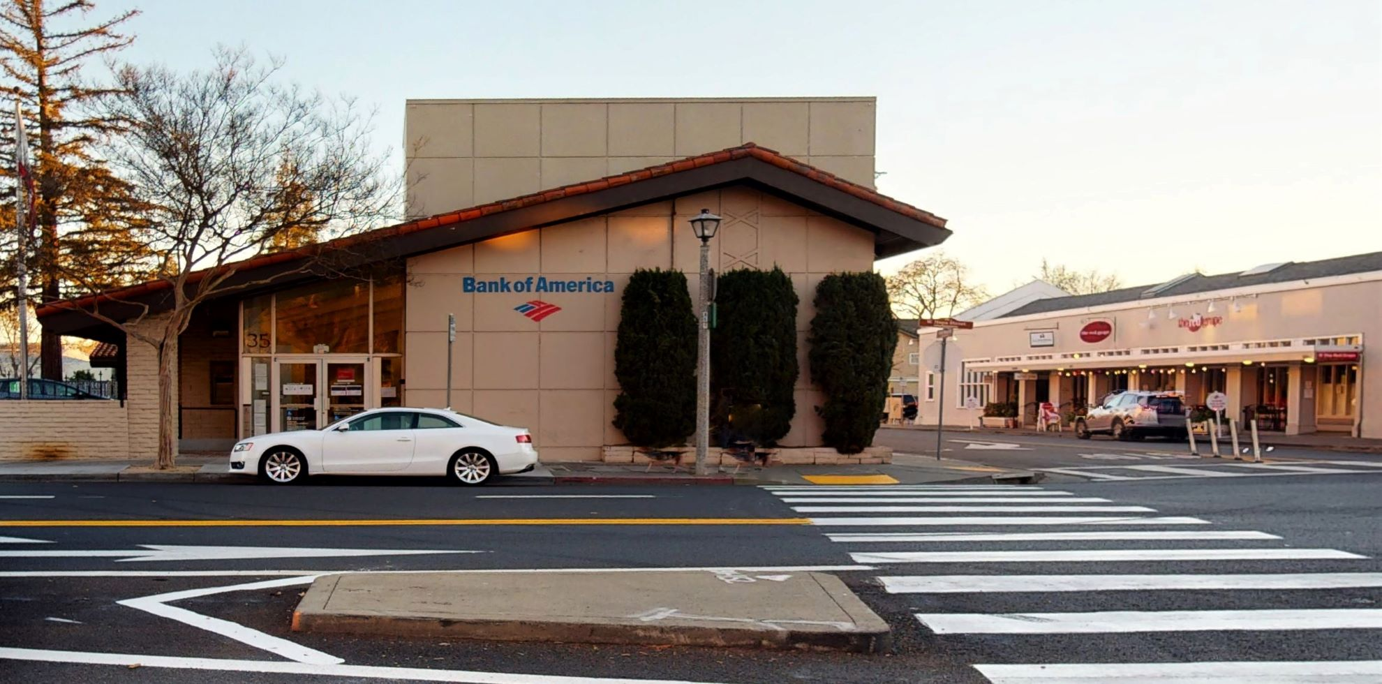 Bank of America financial center with walk-up ATM | 35 W Napa St, Sonoma, CA 95476