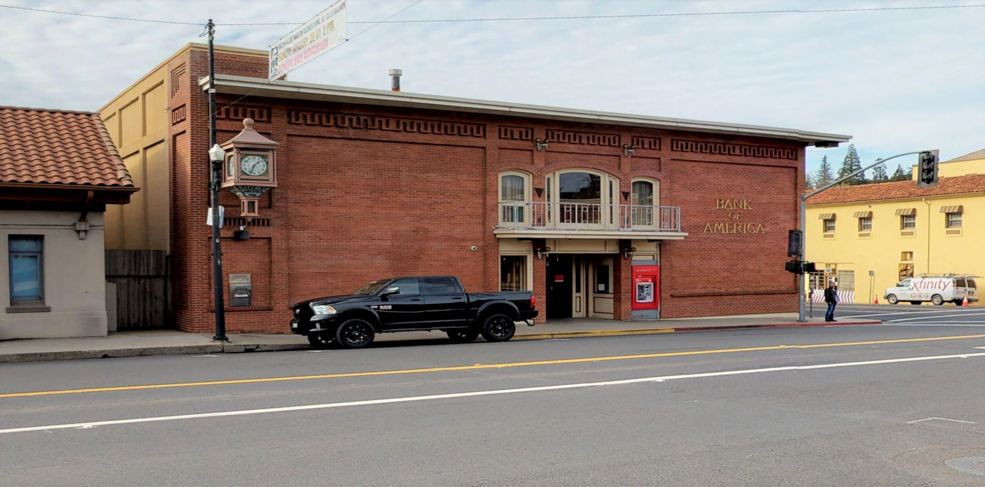 Bank of America financial center with walk-up ATM   180 S Washington St, Sonora, CA 95370