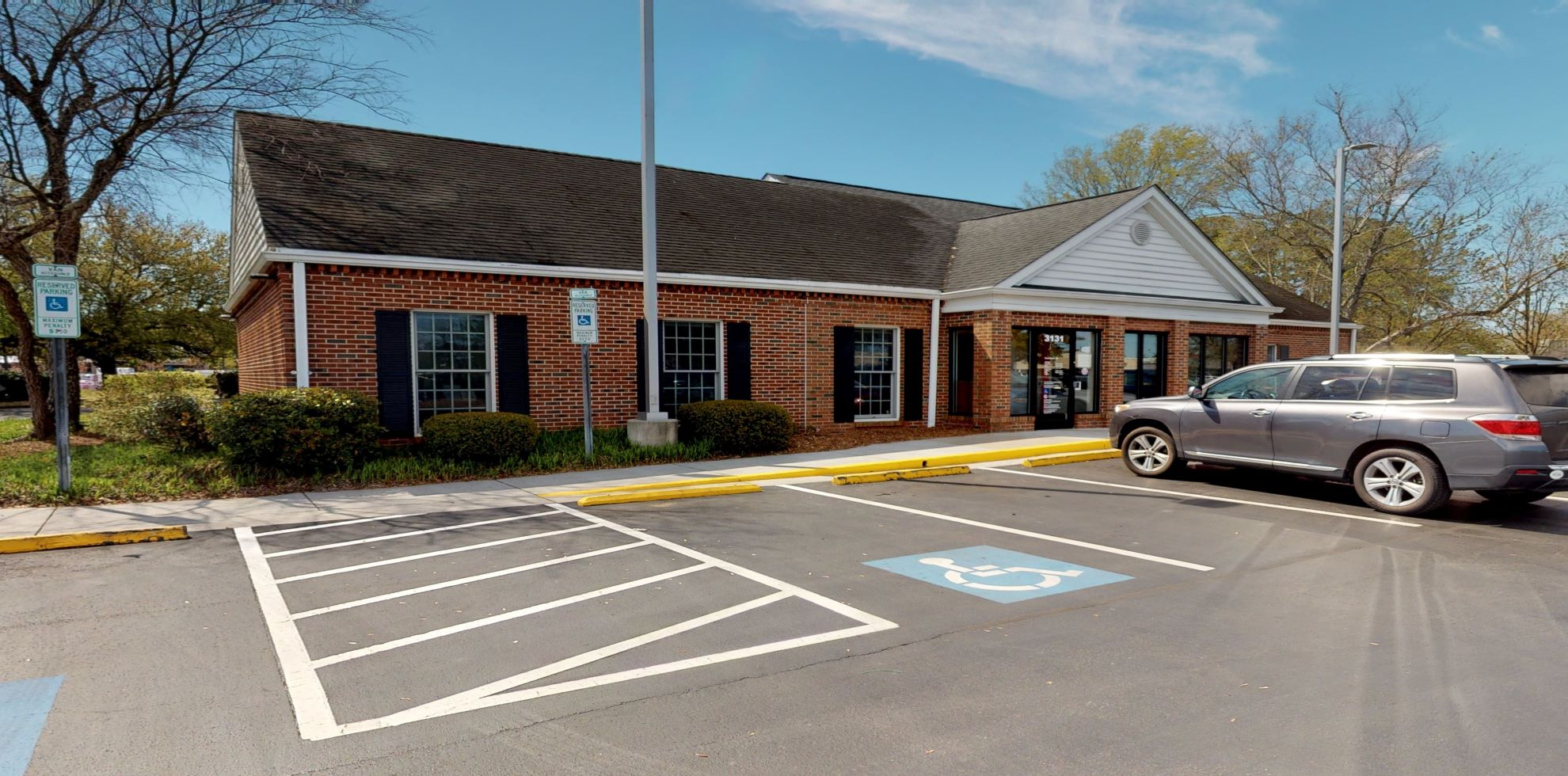 Bank of America financial center with drive-thru ATM and teller | 3131 M L King Jr Blvd, New Bern, NC 28562