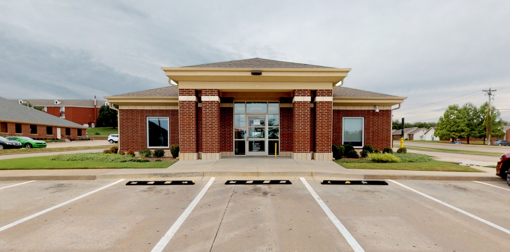 Bank of America financial center with drive-thru ATM   333 N Bryant Ave, Edmond, OK 73034
