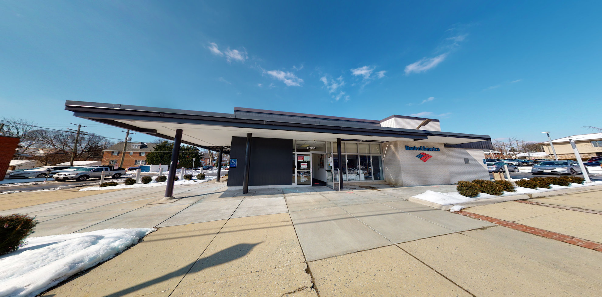 Bank of America financial center with drive-thru ATM and teller | 6700 York Rd, Baltimore, MD 21212