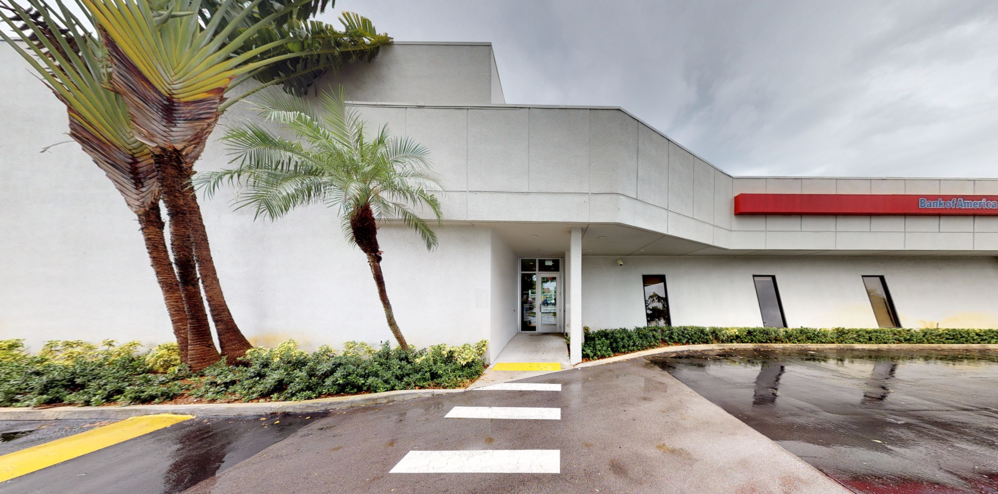 Bank of America financial center with drive-thru ATM | 13595 S Dixie Hwy, Pinecrest, FL 33156