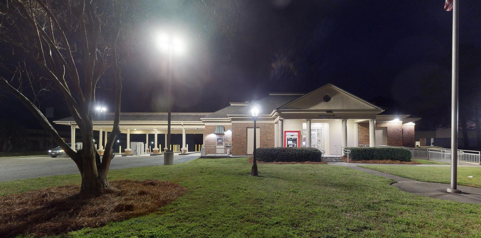 Bank of America financial center with drive-thru ATM   4401 Augusta Rd, Savannah, GA 31408
