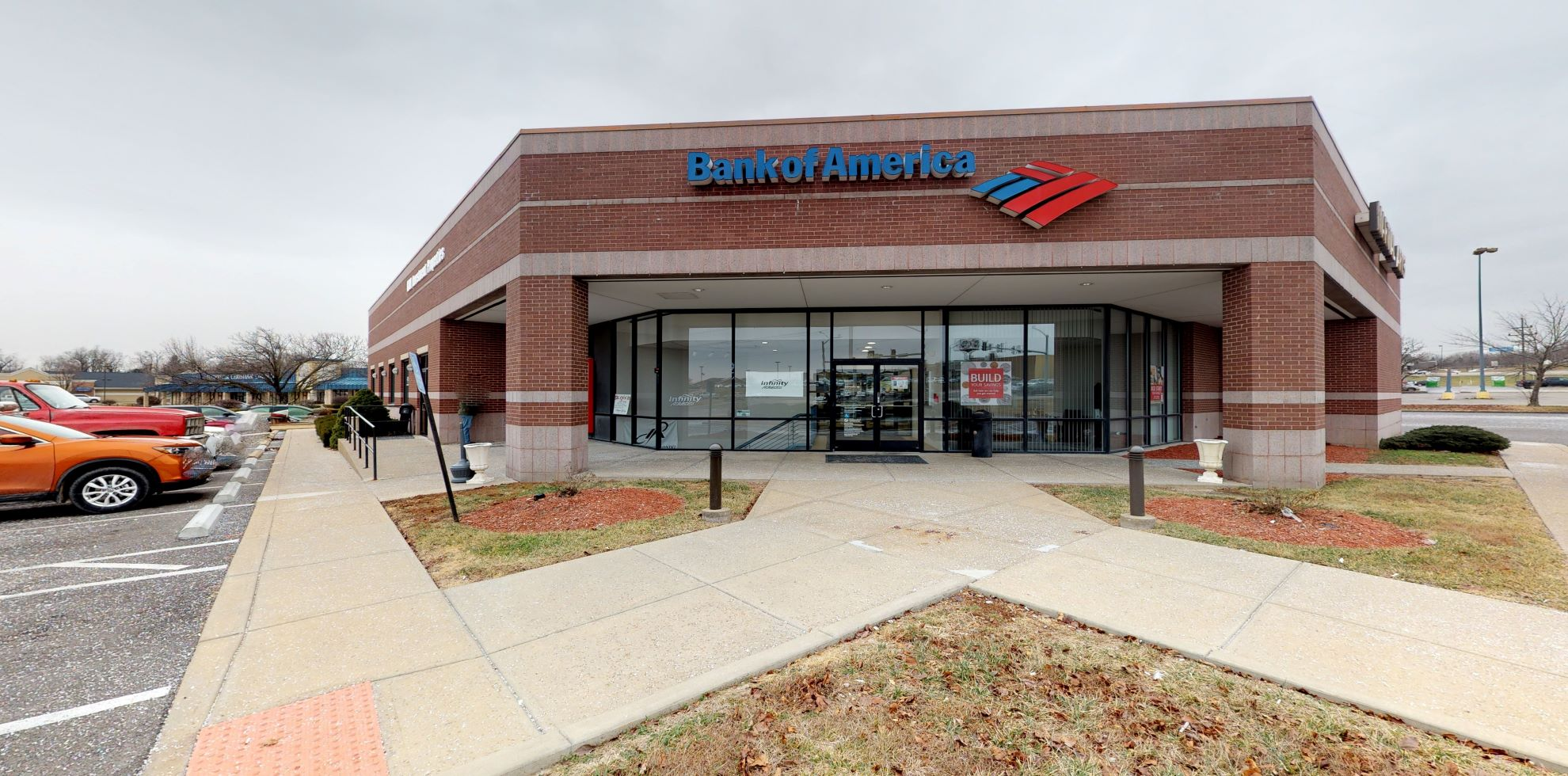 Bank of America financial center with drive-thru ATM and teller | 1 Front St, Troy, MO 63379