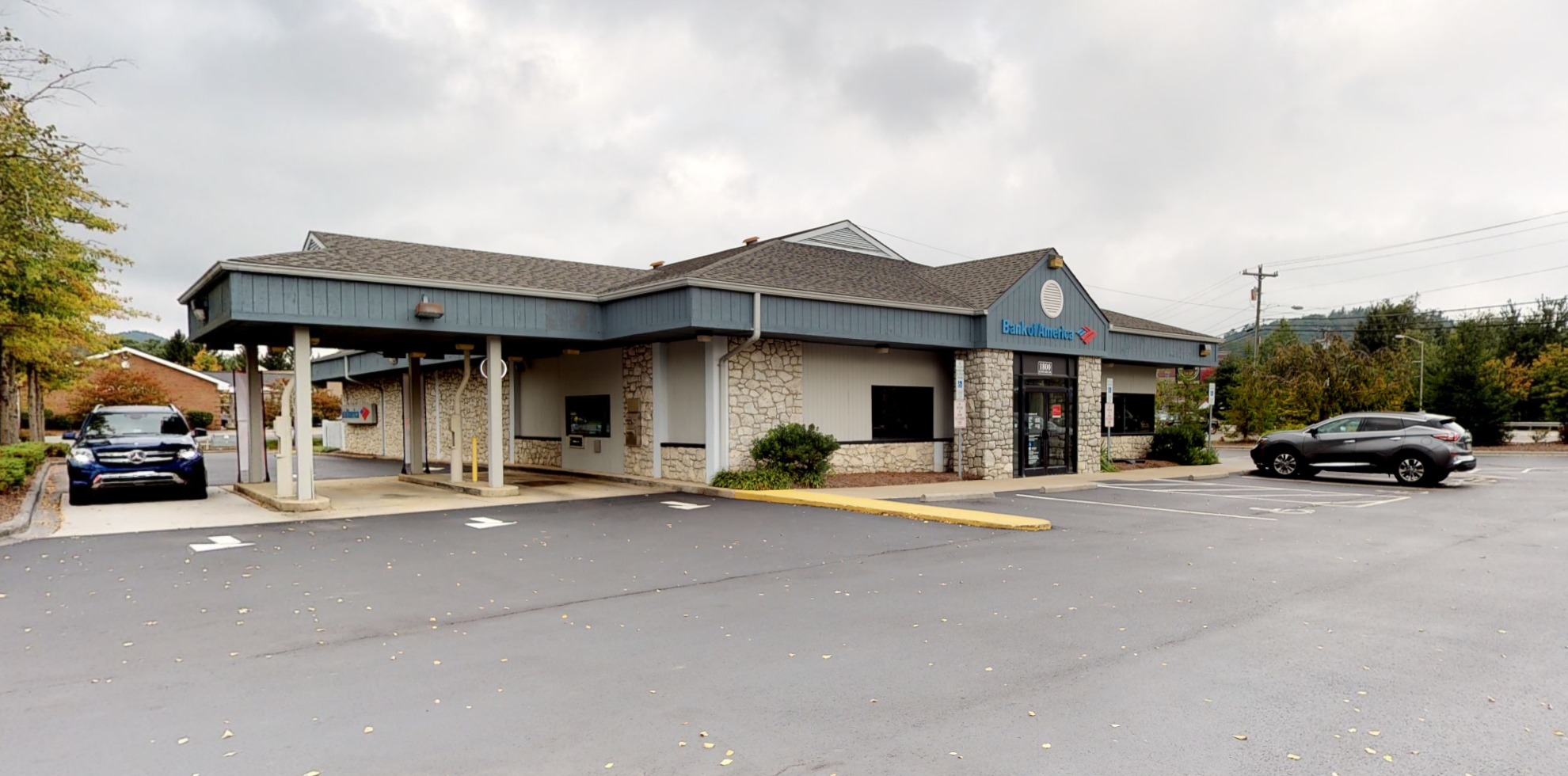 Bank of America financial center with drive-thru ATM and teller | 1800 Blowing Rock Rd, Boone, NC 28607