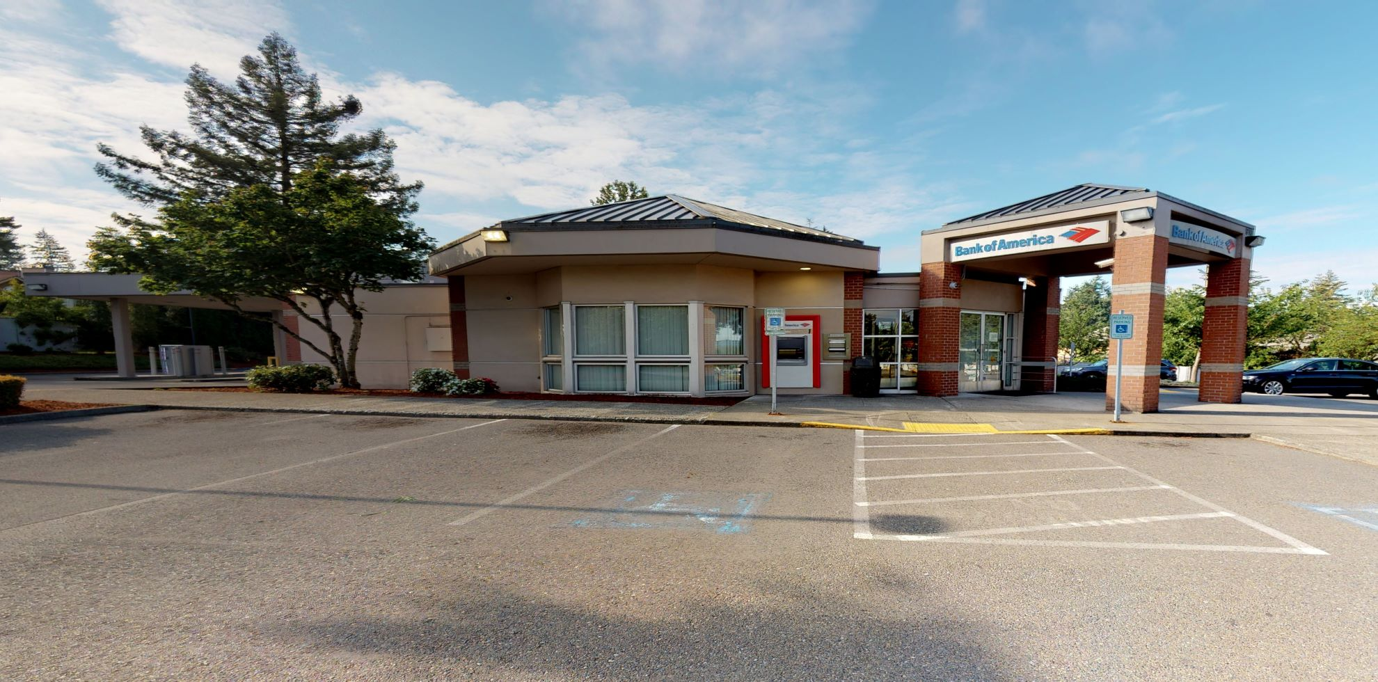 Bank of America financial center with drive-thru ATM | 910 Black Lake Blvd SW, Olympia, WA 98502
